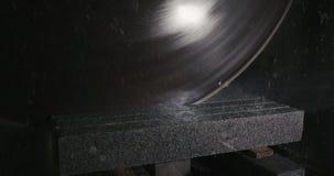 Granit, der in der Herstellung verarbeitet stock footage
