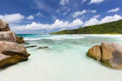 Granit et plage, La Digue, Seychelles Image libre de droits