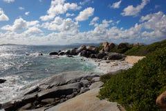 Granit kołysa w skąpanie dziewicie Gorda, Brytyjska Dziewicza wyspa, Karaiby Zdjęcie Royalty Free