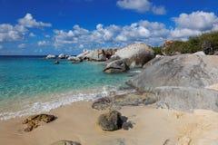Granit kołysa w skąpanie dziewicie Gorda, Brytyjska Dziewicza wyspa, Karaiby Fotografia Stock