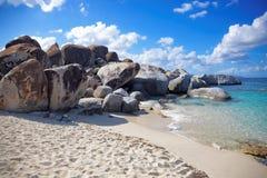 Granit kołysa w skąpanie dziewicie Gorda, Brytyjska Dziewicza wyspa, Karaiby Obraz Stock