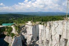 granite quarry стоковое изображение rf