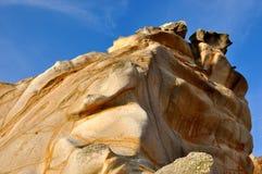 Granito de la erosión en color y modelo ofrecidos Foto de archivo