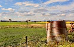 Granja abandonada en Australia rural Imágenes de archivo libres de regalías