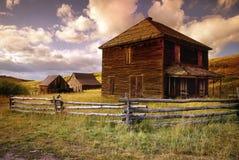 Granja abandonada en el camino pasado del dólar cerca de Ouray Colorado Fotografía de archivo libre de regalías