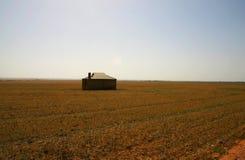 Granja abandonada telecontrol, sur de Australia Imágenes de archivo libres de regalías