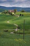 Granja en Val D'Orcia, cerca de Pienza. Italia Imagen de archivo libre de regalías
