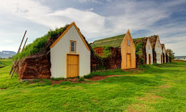Granja islandesa tradicional vieja - Glaumber Imagenes de archivo