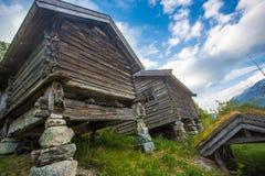 Granja noruega vieja típica imágenes de archivo libres de regalías