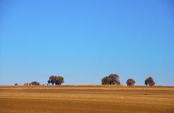 Granja y horizonte en la pradera fotos de archivo libres de regalías