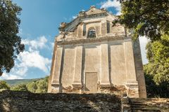 Grannaggiolo的遗弃和被放弃的教会在可西嘉岛 库存图片