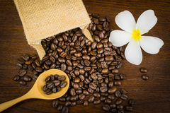 Grano de café en bolso Imagen de archivo