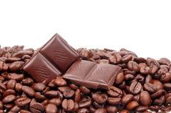 Grano de café y chocolate Fotografía de archivo libre de regalías