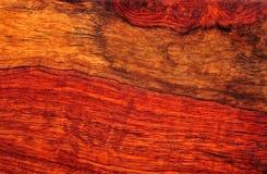 Grano de madera de caoba Fotos de archivo libres de regalías
