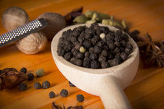 Grano de pimienta negro Fotos de archivo libres de regalías