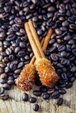 Grano de Sugar Stick Cinnamon y de café Fotografía de archivo