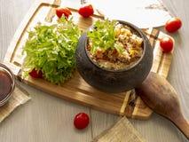 Grano saraceno friabile con burro, alimento sano Immagini Stock