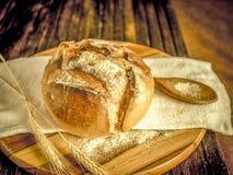 GRANODUR piłki II WŁOSKI chleb W DREWNIANYCH piekarnikach Obrazy Royalty Free