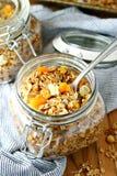Granola миндалины абрикоса Стоковые Изображения