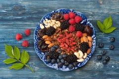 Granola d'avoine, baies, baies de goji et écrous Photo libre de droits