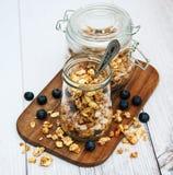 Granola faite maison dans le pot Images libres de droits