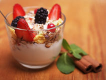 Granola with fresh berries and yoghurt. Health food Royalty Free Stock Photography