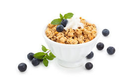 Granola med blåbär Royaltyfria Bilder