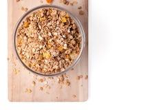 Granolagraangewas met droge vruchten in kom Stock Foto