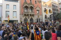 Granollers, Каталония, Испания, 3-ье октября 2017: paceful люди в протесте стоковое изображение