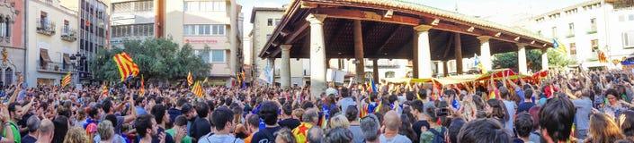 Granollers, Catalonia, Espanha, o 3 de outubro de 2017: povos paceful no protesto imagens de stock