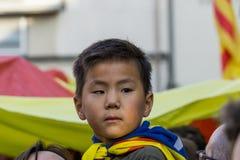 Granollers, Catalonia, Espanha, o 3 de outubro de 2017: retrato do menino durante o protesto contra o espanhol foto de stock royalty free
