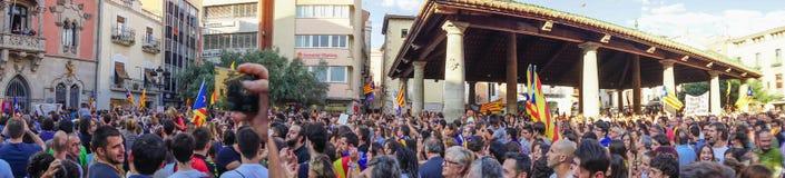 Granollers, Catalonia, Espanha, o 3 de outubro de 2017: retrato do menino durante o protesto contra o espanhol imagem de stock