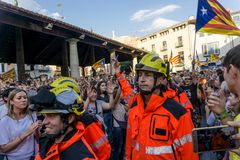 Granollers, Catalonia, Hiszpania, Październik 3, 2017: paceful ludzie w protescie fotografia royalty free
