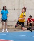 Granollers KOPP 2013. Spelare som skjuter bollen Arkivfoto