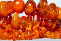 Granos ambarinos bálticos genuinos de la vendimia Fotos de archivo