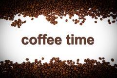 Granos de café asados con título stock de ilustración