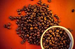 Granos de café calientes foto de archivo libre de regalías