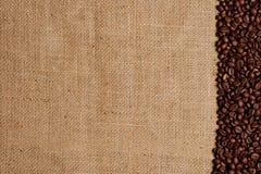 Granos de café en la arpillera #2 Fotografía de archivo libre de regalías