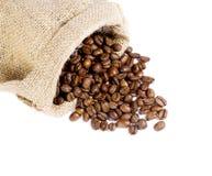 Granos de café en un bolso Fotografía de archivo libre de regalías