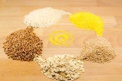 Granos del alforfón, arroz Foto de archivo libre de regalías