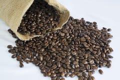 Granos del bolso y de café del yute Imagen de archivo