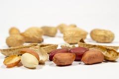 Granos y cáscaras del cacahuete Imagen de archivo