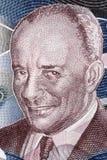 Grantley Herbert Adams en stående