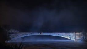 Grantown sur le pont de Spey par nuit Images stock
