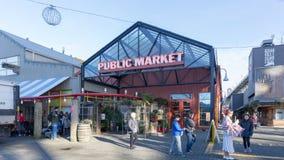 Granville Island Public Market em Vancôver É casa a mais de 100 vendedores que oferecem o marisco, carnes, doces e europeu fresco fotografia de stock