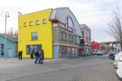 Granville Island Public Market em Vancôver É casa a mais de 100 vendedores que oferecem o marisco, carnes, doces e europeu fresco fotos de stock royalty free