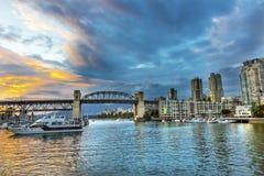 Granville Island Sunset Burrard Street-Brücke Vancouver Briten Stockfotos