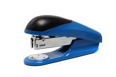 Grapadora azul grande de la oficina Fotos de archivo libres de regalías