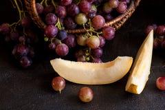 Grapee με το πεπόνι στοκ φωτογραφία με δικαίωμα ελεύθερης χρήσης