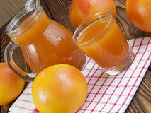 Grapefruit juice in glas Royalty-vrije Stock Foto